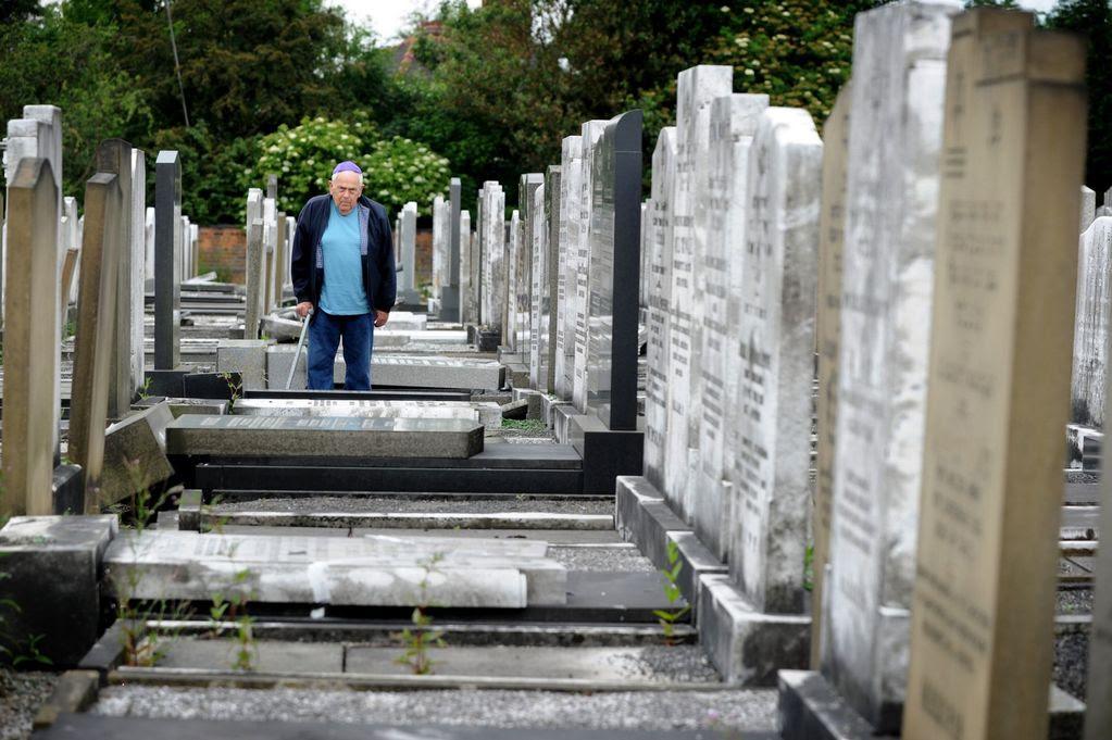 Vandals strike at Jewish cemetery