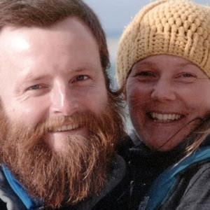 Artistas ingleses Peter Root e Mary Thompson que morreram em acidente de trânsito na Tailândia