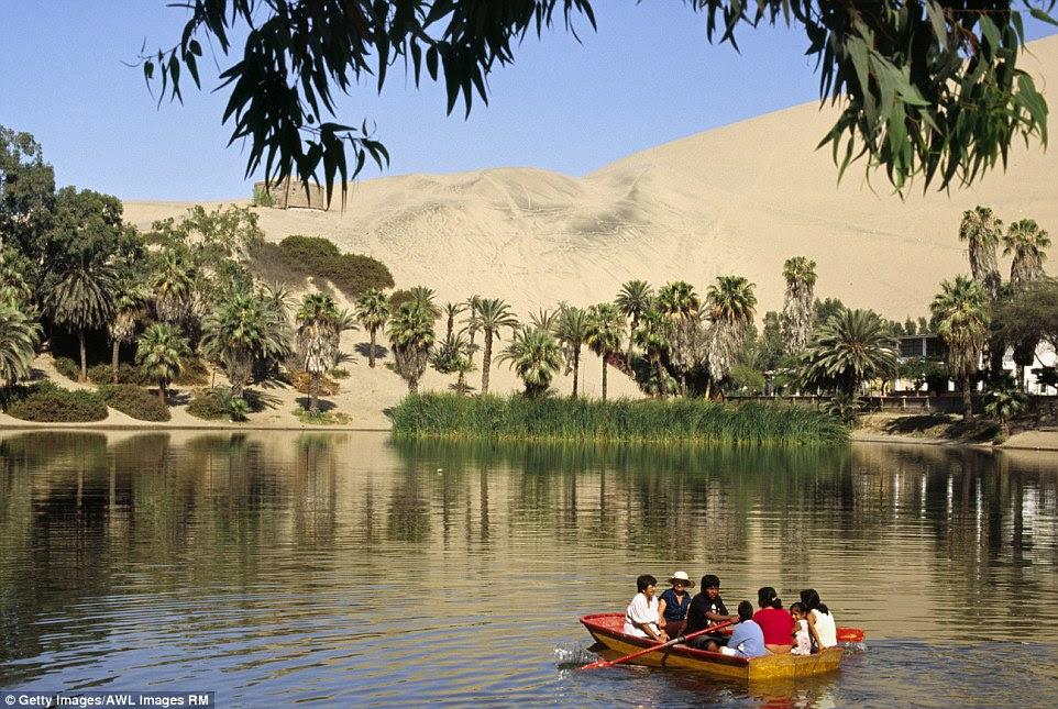 A cidade mágica é chamado de Huacachina, e pode ser encontrado em um deserto estéril no Peru