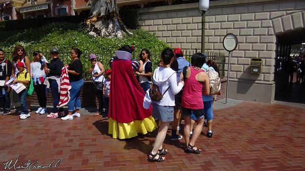 Disneyland Resort, Disneyland, Snow White