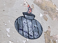 Raval Street Art by Zone: Bomba