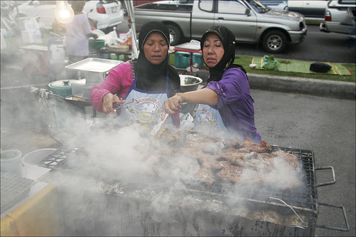 Grilling chicken at the Phuket Halal Expo