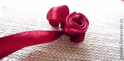 Rose flower.  ribbon embroidery (23) (418x208, 78Kb)