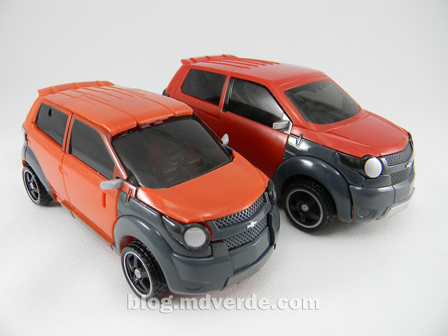Transformers Mudflap RotF Human Alliance - modo alterno vs Mudflap Deluxe