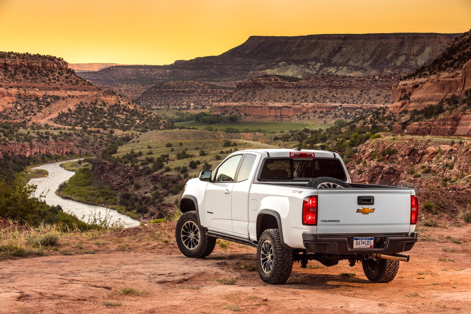 2021 chevrolet colorado gmc canyon to see minor updates