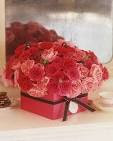25 Flower Decoration Ideas For Valentine's Day | DigsDigs