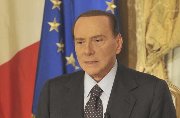 O ex-premiê italiano Silvio Berlusconi em pronunciamento gravado divulgado na quinta-feira (25) (Foto: AP)