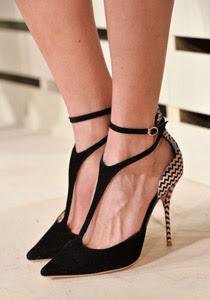 pantofi cu accent pe toc