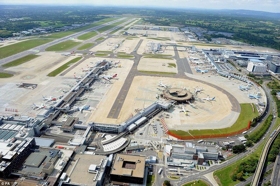 Μια άποψη από το αεροδρόμιο Gatwick - όταν ολοκληρωθεί το 2018, ο σιδηρόδρομος θα συνδέουν το αεροδρόμιο με το κέντρο του Λονδίνου και τους σταθμούς βόρεια του Τάμεση