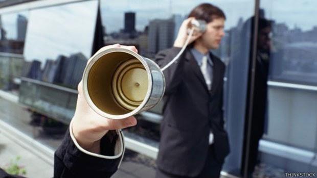 Aplicativos e acessórios ajudam a mandar mensagens quando não há sinal (Foto: BBC)