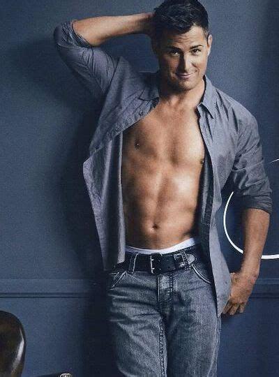 25  best ideas about Hot hunks on Pinterest   Hot men