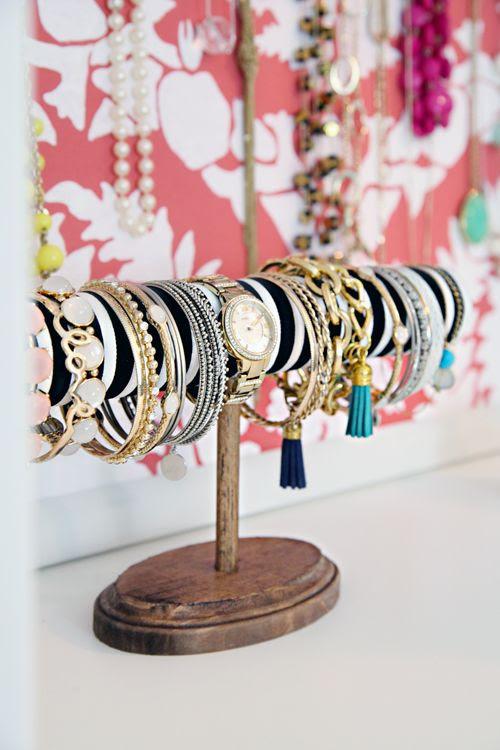 IHeart Organizing DIY bracelet display