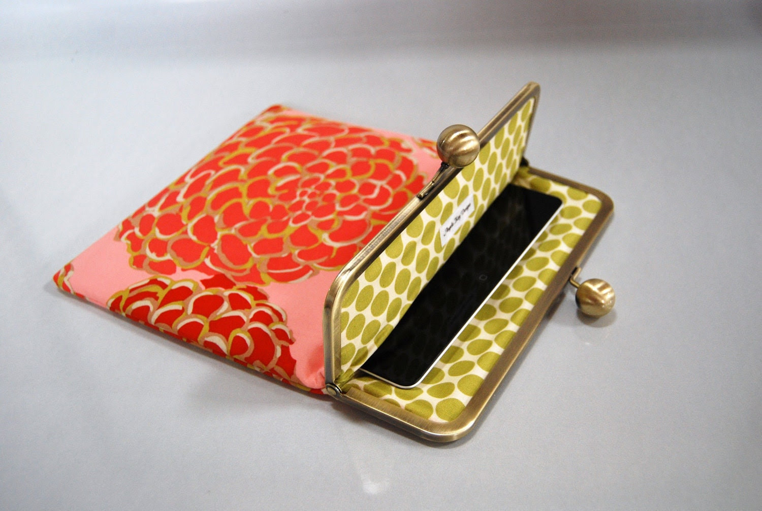 "Unique and Stylish iPad / Kindle DX / Motorola Xoom Clutch Case ""Del Hi"""