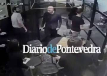 Video: Spanish man blocks London terrorist from entering his bar