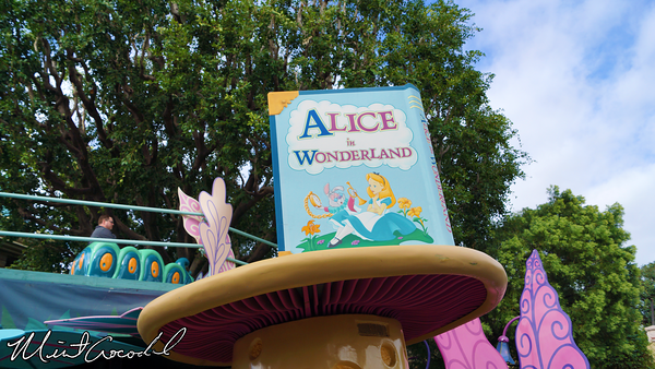 Disneyland Resort, Disneyland, Alice In Wonderland