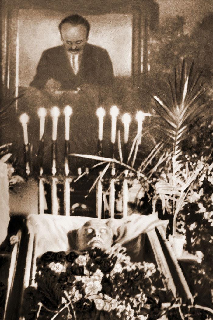 Іван Франко в домовині
