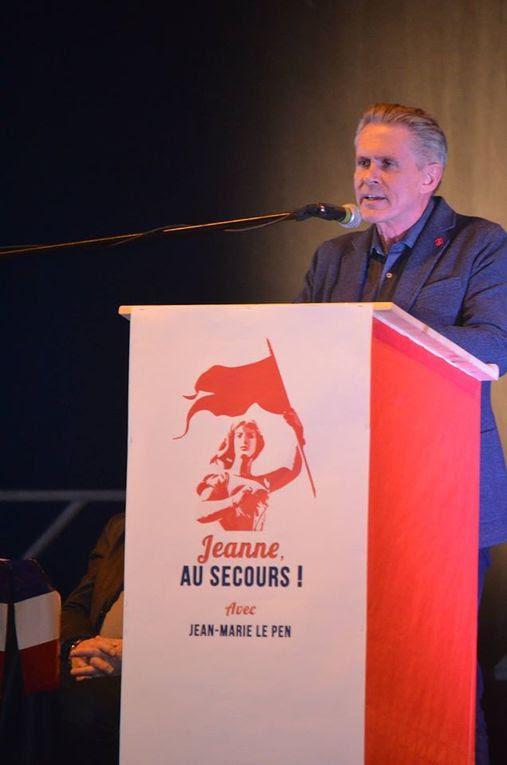 La droite nationale et identitaire rassemblée à Palavas-les-Flots autour de Jean-Marie Le Pen et de Carl Lang