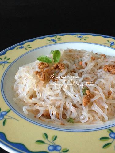 Finti spaghetti (shirataki) ai ricci