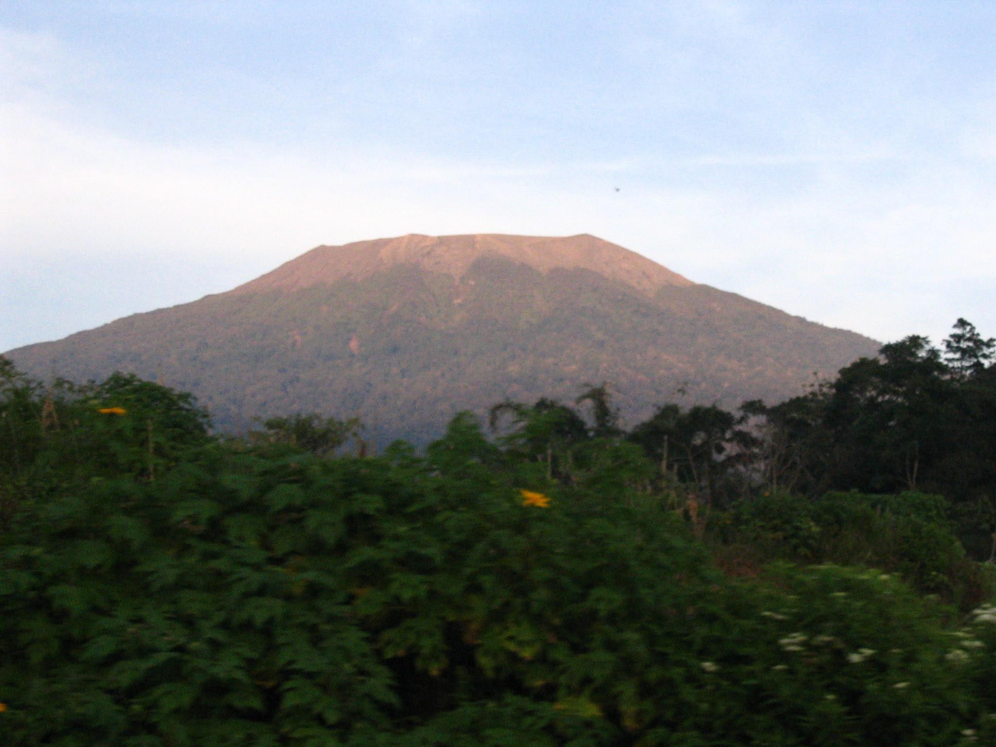 Le volcan Marapi, 2006