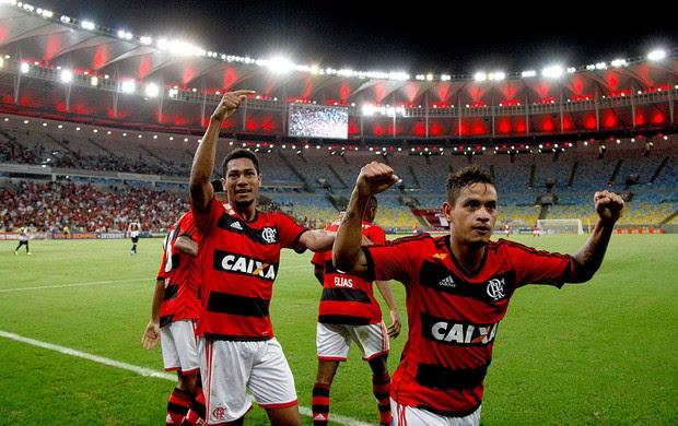 Hernanes gol Flamengo contra Santos (Foto: Márcio Alves / Ag. O Globo)