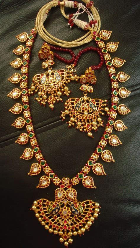 Mango mala/mamidi mala on Pinterest   Temple Jewellery