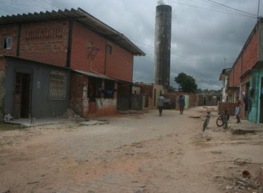 Homens estupram adolescente de 15 anos que tomava banho em casa em Salvador