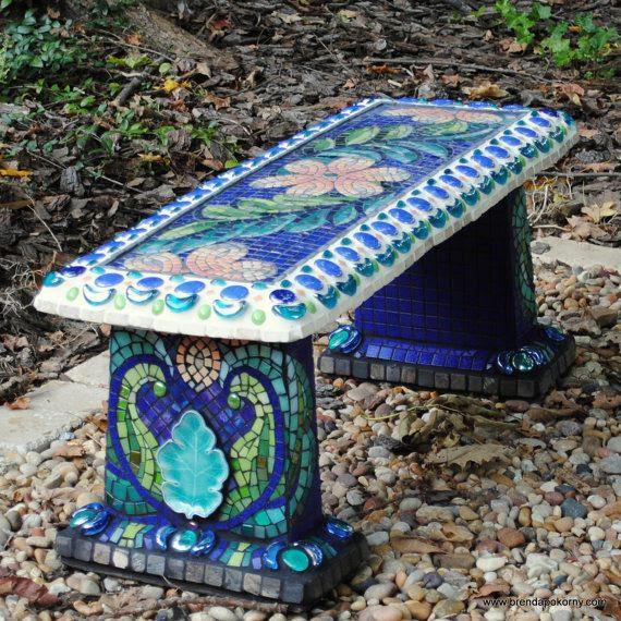 Garden bench, what a beauty.