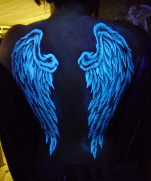 tatuajes-ultravioletas-oscuridad-luz-negra (15)
