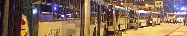 Greve de ônibus paralisa a volta para casa do paulistano; trânsito é recorde no ano (Greve de ônibus paralisa a volta para casa do paulistano; trânsito é recorde no ano (Guilherme Tosetto/G1))