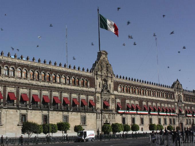 Promulga Peña Nieto leyes secundarias de la Reforma Energética. Foto Getty
