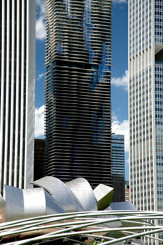 """Chicago (ILL) Downtown, Lakeshore East : """" Aqua """" Jeanne Gang 2009"""