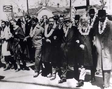 Rabbi Abraham Joshua Heschel (2nd from right) in the Selma Civil Rights March with Martin Luther King, Jr. (4th from right). Photo: Wikipedia.