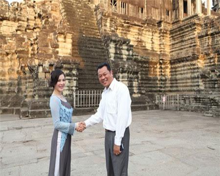 Lý Nhã Kỳ sang thăm đất nước Campuchia