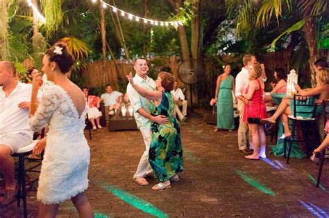 Wedding Reception Music: Old Town Manor Weddings Blog