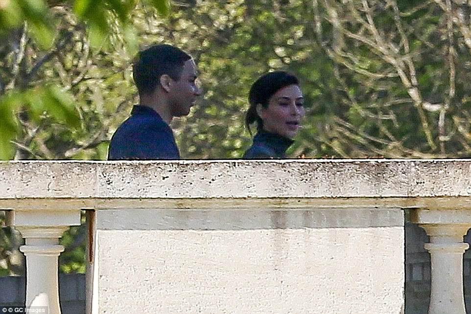 Avant que le château ne soit vendu à Salman, Kim Kardashian a visité la propriété en tant que lieu potentiel pour son mariage avec Kanye.