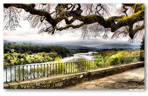 Vista sobre o rio Minho by VRfoto