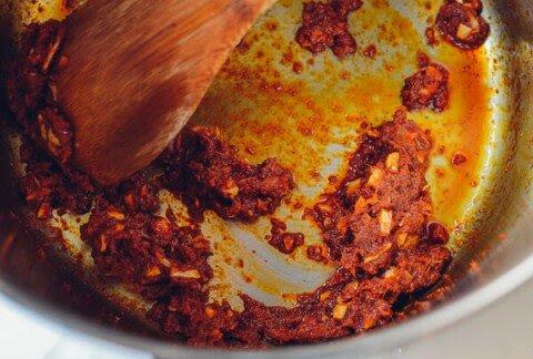 cà-ri bún gạo nóng hổi