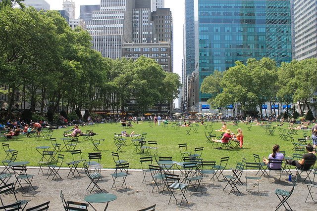 Bryant Park, Saturday