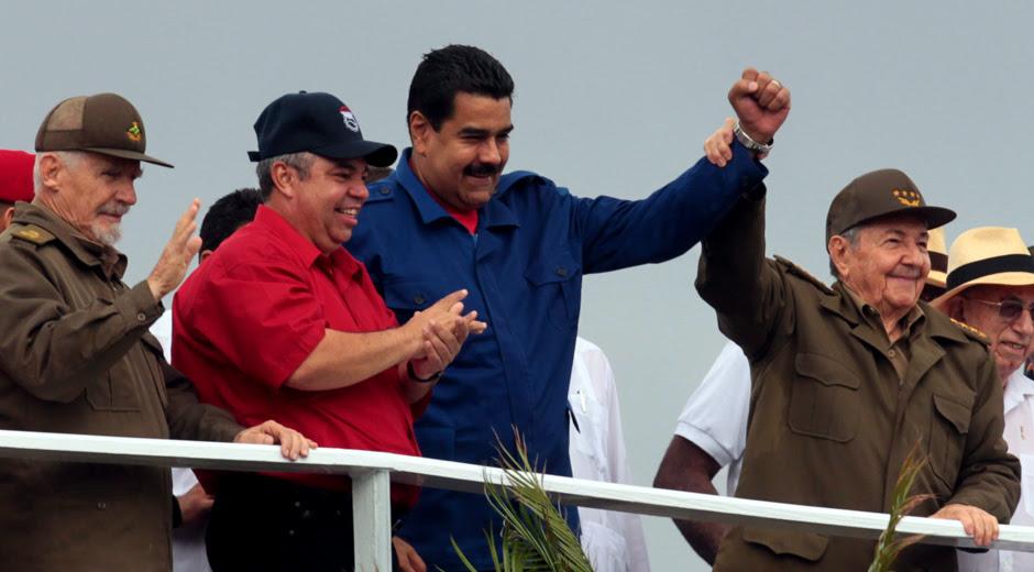 Raúl y Maduro presidieron desfile del Primero de Mayo en La Habana (+ Fotos y Video)