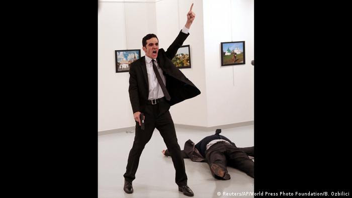 World Press Photo Awards 2017 World Press Photo Awards 2017 - Burhan Ozbilici, The Associated Press - An Assassination in Turkey (Reuters/AP/World Press Photo Foundation/B. Ozbilici)