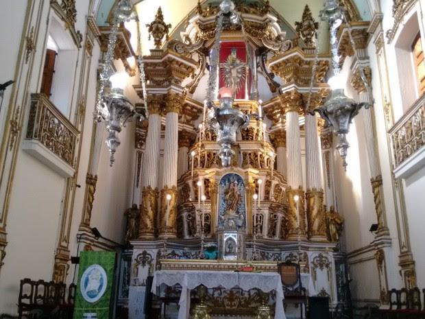 Altar principal da igreja do Bonfim, em Salvador (Foto: Maiana Belo/G1 BA)