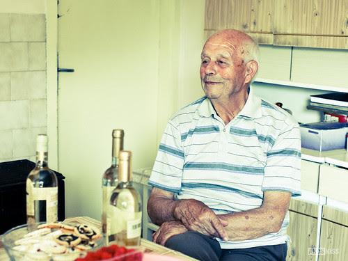 Nagyapám tegnap töltöte be a 86. évet. by Akos Kiss