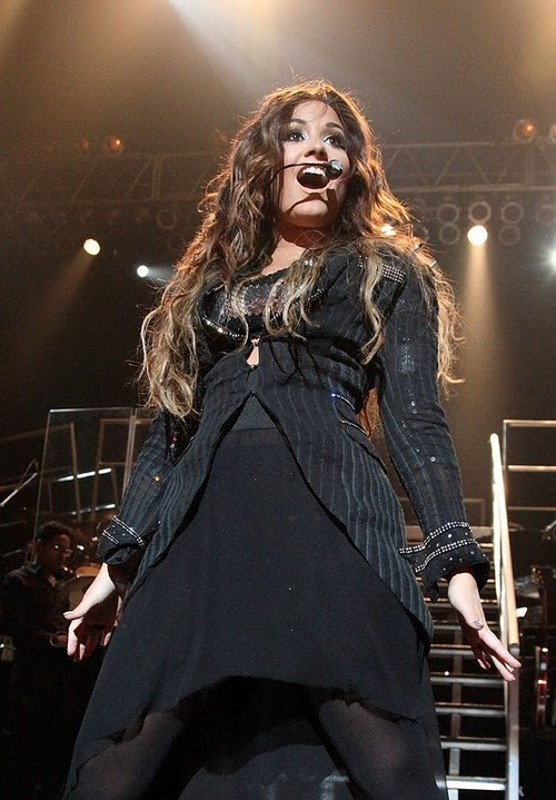 Demi-lovato-nyc-concert-16_large