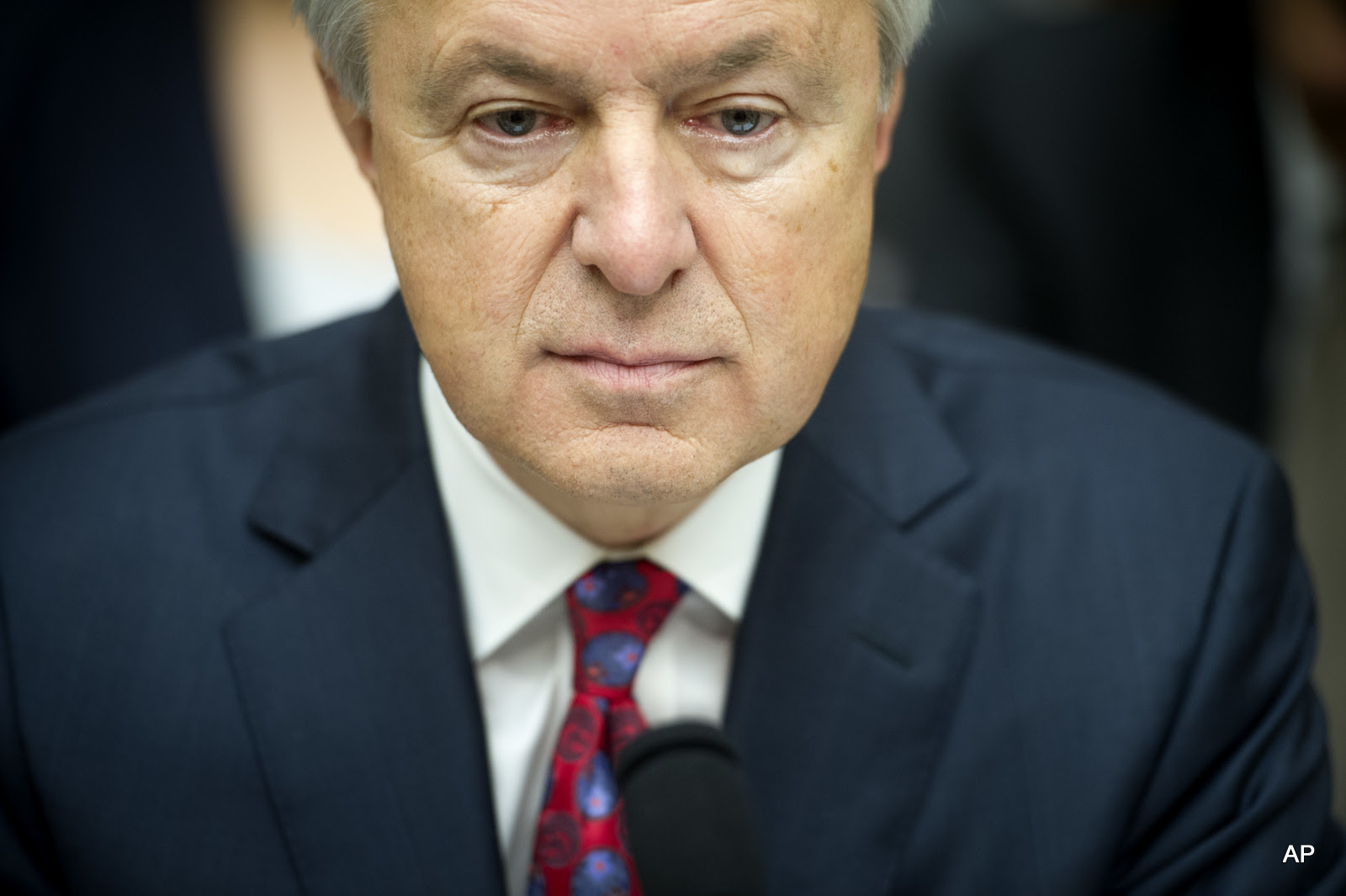 Wells Fargo CEO John Stumpf testifies on Capitol Hill in Washington, before the House Financial Services Committee investigating Wells Fargo's opening of unauthorized customer accounts.