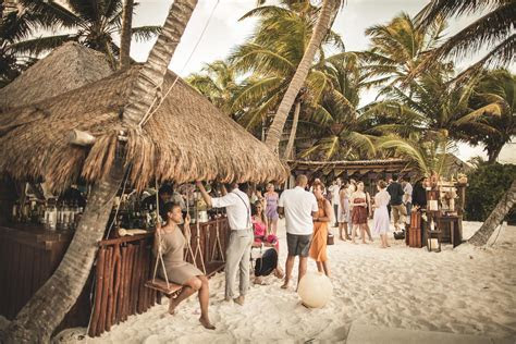 Amazing caribbean wedding at the Akiin Beach Club Tulum