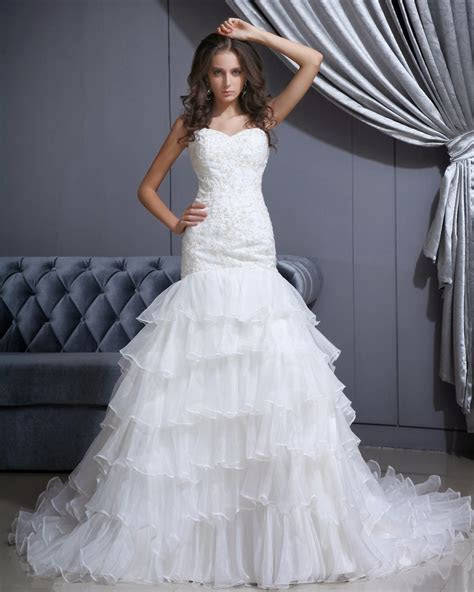 Wedding Dress: Finding Discount Wedding Gowns Online