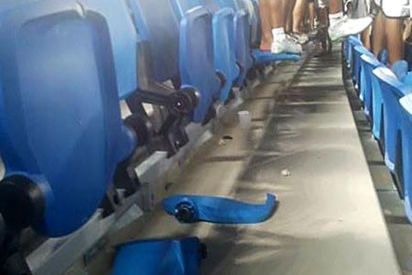 Cadeiras ficaram destruídas após a partida entre ABC e Vasco