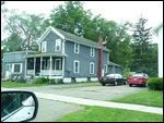 Onderweg constant dit soort huizen