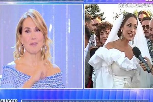 8bfe6e91e4c9 Teresanna Pugliese si è sposata  è polemica per l abito del matrimonio FOTO