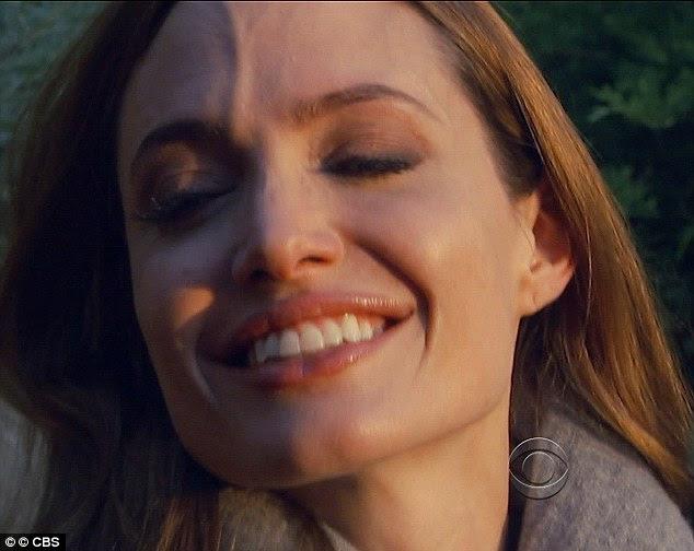Chorosa: Angelina fechou os olhos para se impedir de chorar durante a entrevista de alto nível